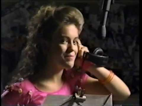 ALYSSA MILANO SINGING THE TEEN STEAM THEME SONG FOR HER VIDEO SHE MADE BACK IN 1988.