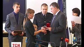 МВС вручило ключі від нових квартир сім'ям 2 загиблих на Тернопільщині поліцейських