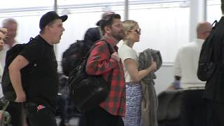 'Kate Hudson hiding baby bump in Australia??? we have the pictures... 21/2/18