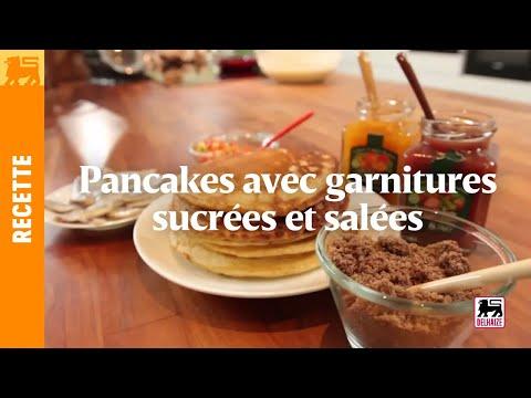 Pancakes avec garnitures sucrées et salées