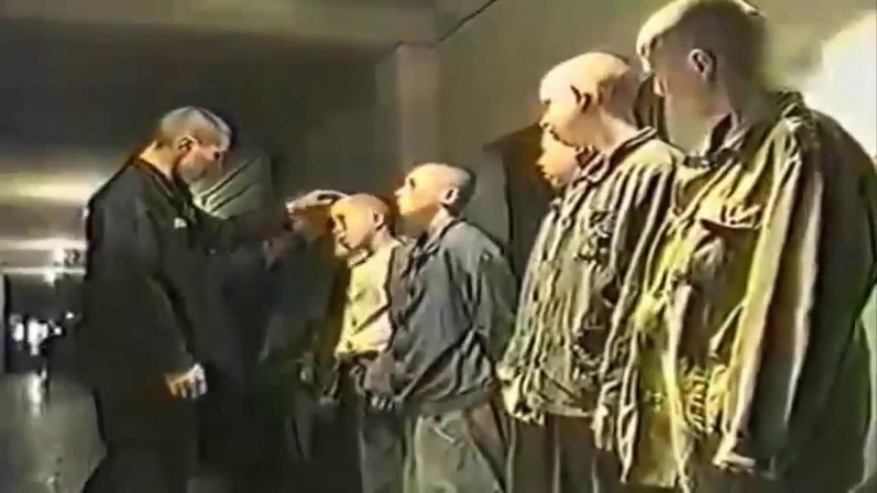 Взоне опускают пидора видео