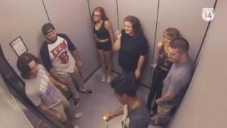 Những pha troll trong thang máy cực bá đạo