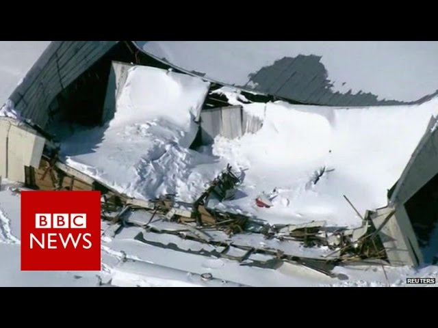 Roofs collapse under weight of snow in US - BBC News