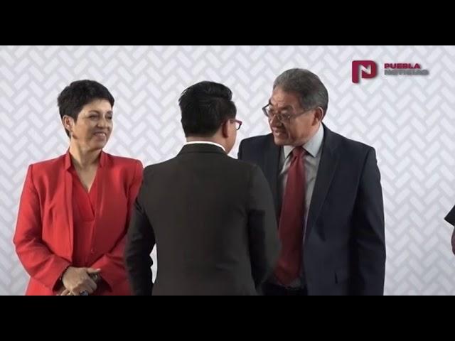 #PueblaNoticias Jóvenes poblanos recibieron estímulos por la SEP