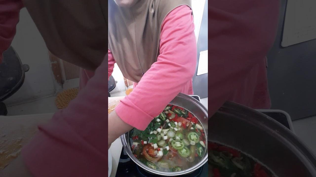Cara memasak pindang daging buntut sapi - YouTube