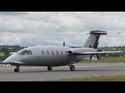 Piaggio P.180 Avanti II Departure at Cambridge Airport