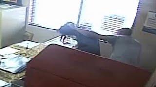 Policial espanca a filha porque ela desrespeitou professor. Veja o vídeo!