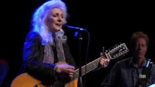 Watch Judy Collins Open The Door video