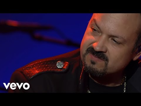 Pepe Aguilar unplugged