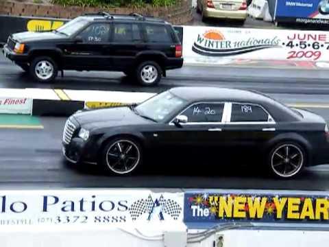 Mopar Sunday 2010 Chrysler 300c Drag Race Youtube