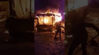 Современный и маневренный автобус сгорел.