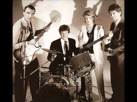 Talking Heads - Intro - Artists Only (9-29-79) mp3