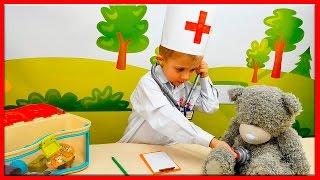 Видео для Детей про Доктора Даника все серии подряд. Ролевые игры для ребёнка. Doctor child costume(Развивающие видео для детей про Доктора Даника и его интересных игрушечных пациентов. Во время таких разви..., 2016-10-09T15:38:00.000Z)