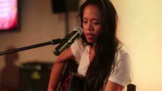 Kirtan Meditation People Help the People Cover by Anah West End.mp3