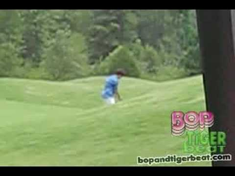 BOP & Tiger Beat Goes Golfing With The Jonas Brothers!