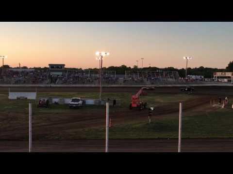 Humboldt Speedway heat race 7/28/2017 Win !!