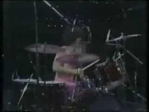 Grand Funk Railroad - We're An American Band LIVE - 1974