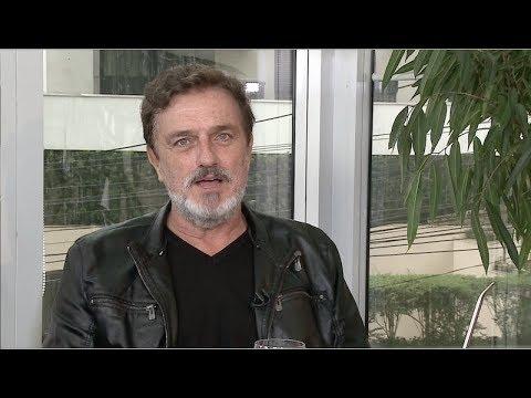 Werner Schünemann admite que recebe muitas cantadas de homens