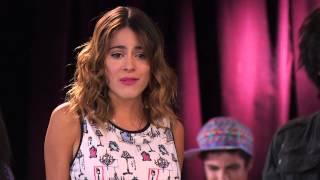 Download Vilu y los chicos cantan ¨Algo se enciende¨ | Momento Musical | Violetta Mp3 and Videos