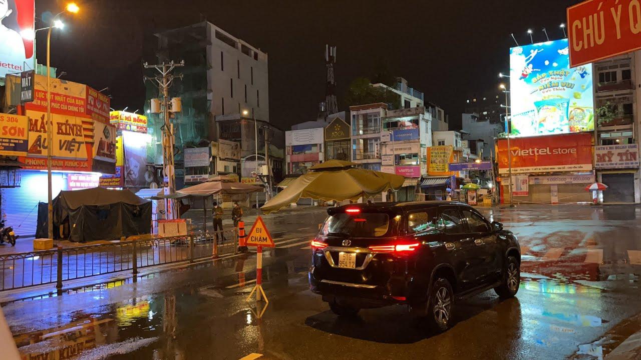 Trực tiếp: Tình hình kiểm soát trên đường phố TP.HCM tối 23-8