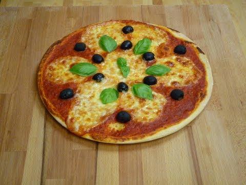 Pizza (Teig, Tomaten-Sauce, Belag)