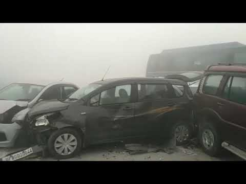 Live Accident at Delhi to Agra Yamuna Expressway. Affyquazi Productions.