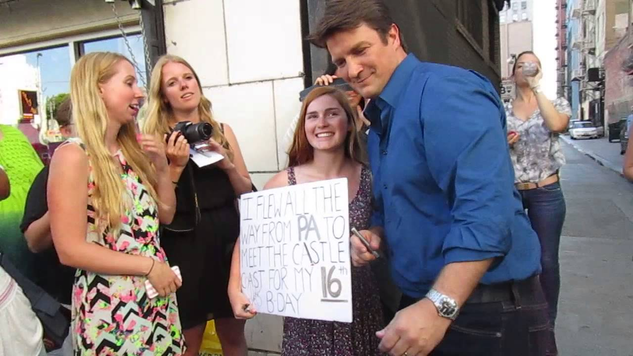 Nathan Fillion Meet And Greet With Fans On Set Of Castle While