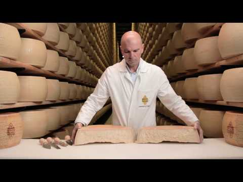 How to cut a Grana Padano wheel - Italian cheese DOP