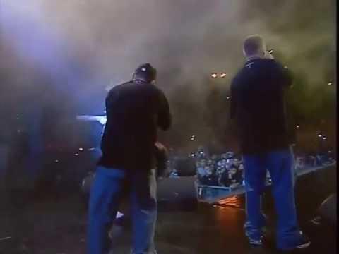 B.U.G. Mafia - Cine e cu noi (Live la Forza ZU 2013)