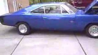 """1970 Dodge Charger R/T 517"""" MAX WEDGE Stroker Countin' 'em off at idle!"""