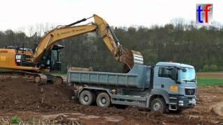 CAT 320E L & MAN Roll-Off Dump Truck / Abroller, Aldingen, Germany, 19.04.2016.