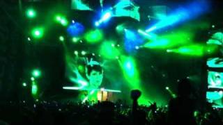 Tiesto,  2011 Ultra Music Festival Closing with Feel It In My Bones