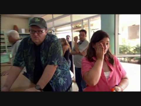 Michael Moore brings 911 Workers to Cuba.