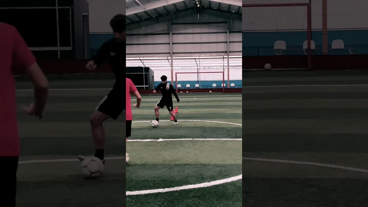 Futbolda şut ve plase antrenmanı
