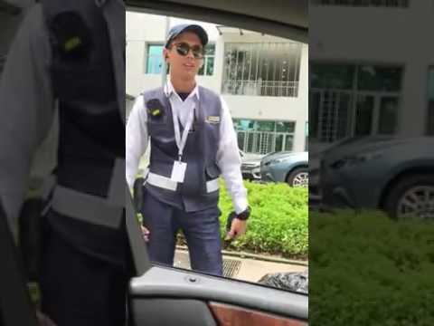 Woman unfairly accuses LTA officer of being biased against Chinese for doing her duty