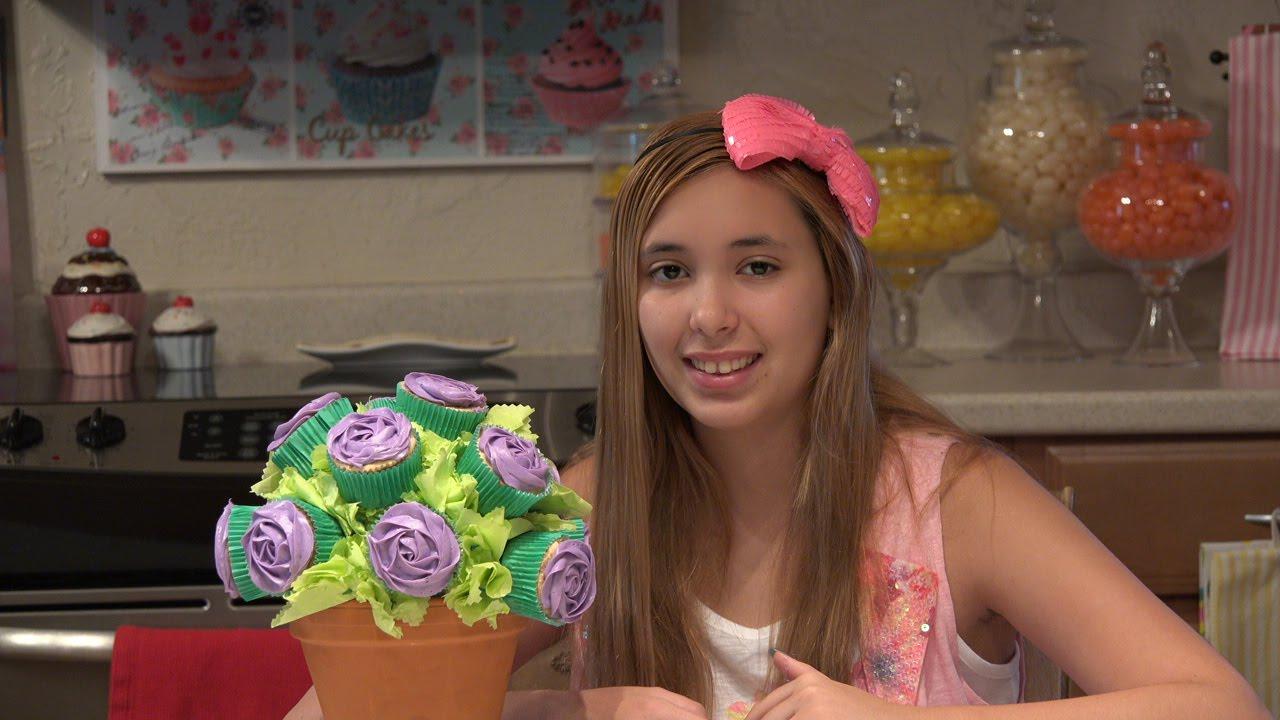 Kitchenasium Flower Pot Cupcake Bouquet - YouTube