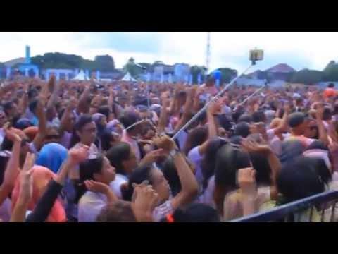 COLOR RUN JOGJA 2014 - DJ Vicky Nitinegoro