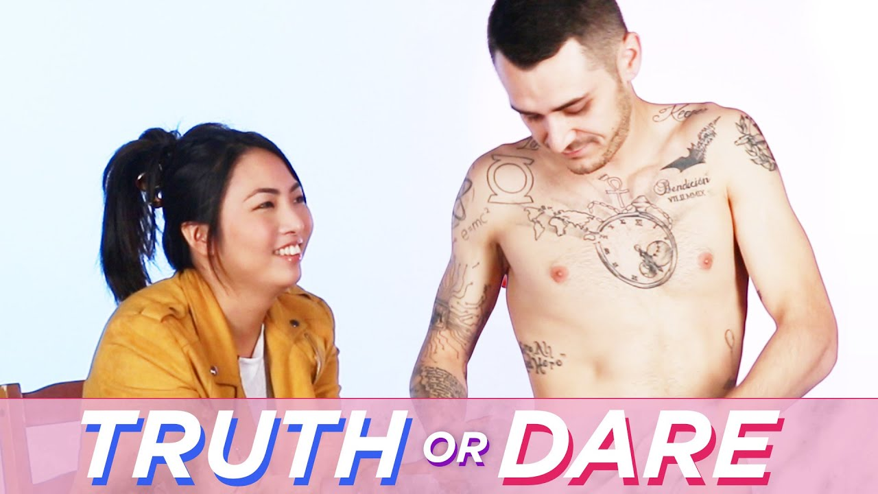 Blind Dates Play Truth Or Dare