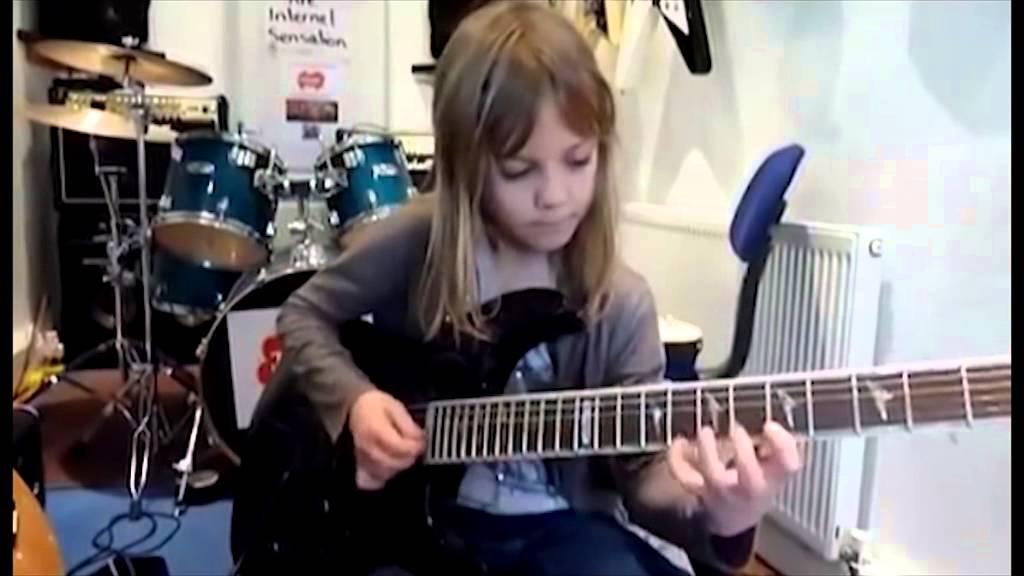 une jeune fille de 8 ans qui joue stratosphere de stratovarius guitare lectrique youtube. Black Bedroom Furniture Sets. Home Design Ideas