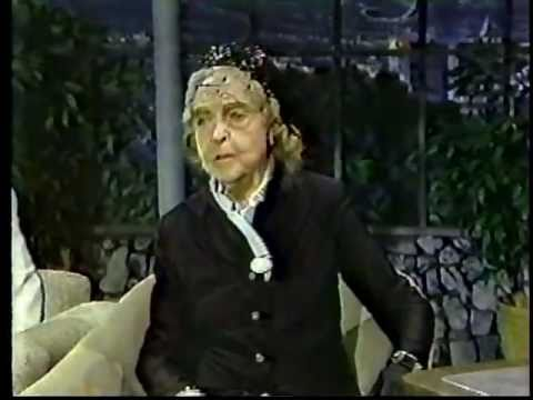 Lillian Gish ed by Joan Rivers in 1983