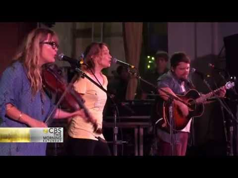 Watkins Family Hour - Hop High (Dirk Powell's Cover) LIVE