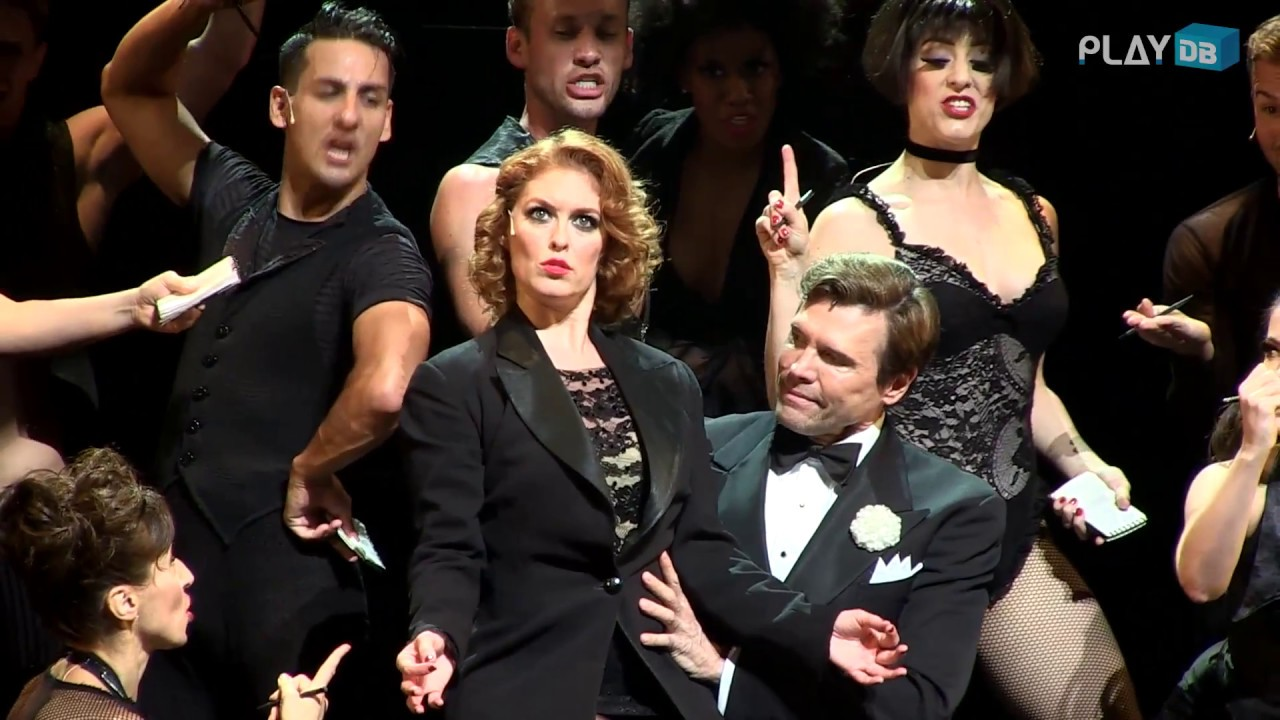 We Both Reached for the Gun-Dylis Croman as Roxie Hart,Brent Barrett as Billy Flynn