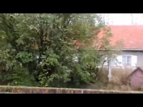 urban exploring: abandoned old farm 'paris' part I