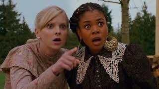 Девушки попадают в странную деревню I Очень страшное кино 4