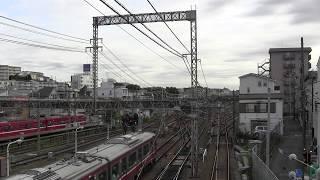 京浜急行 神奈川新町 並走追い抜き