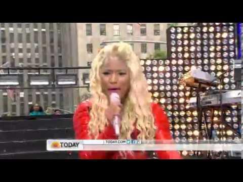 Nicki Minaj - Pound The Alarm (Live Concert)