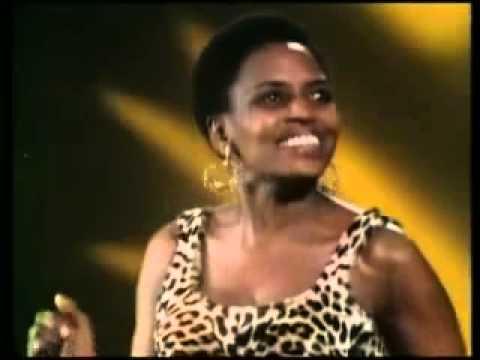 Miriam Makeba - Pata Pata (Live 1967)