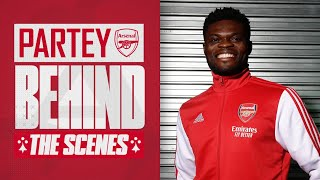 Partey meets Aubameyang & Lacazette | Behind the scenes on Thomas' first day at Arsenal