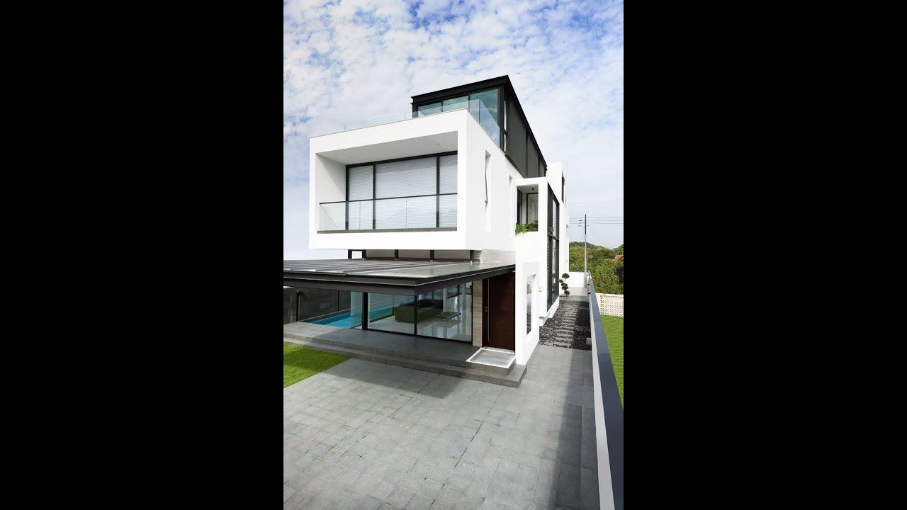 Plano de casa de dos pisos peque a fachada e interior for Fachadas de casas modernas 2 pisos