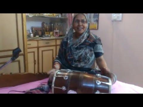 Chunari ranga lo brijnari krishna bhajna hindi lyrics चुनरी रंगा लो बृजनारी